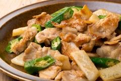 豚肉と長芋とオクラの炒め物