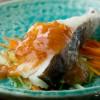 鱈のくずたたき梅肉ソースがけ