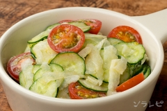きゅうりのヨーグルトサラダ
