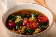 プチトマトとモロヘイヤの中華スープ