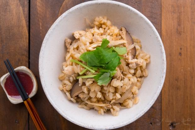 牛蒡と押麦の炊込みご飯_main2
