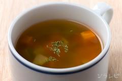 セロリとニンジンのスープ