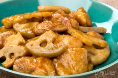 鶏肉とれんこんのにんにく醤油炒め