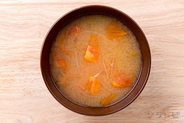 トマトとタマネギの味噌汁_main2