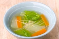 白菜とショウガの中華スープ