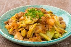 豚肉とキャベツのキムチ味噌炒め