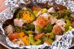 鶏肉と緑黄色野菜のハニーマスタード蒸し