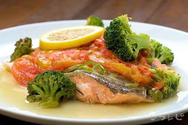 鮭のにんにく醤油蒸し_main1