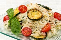 ツナとトマトのバジル素麺