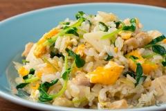 鶏肉と豆苗のエスニックご飯