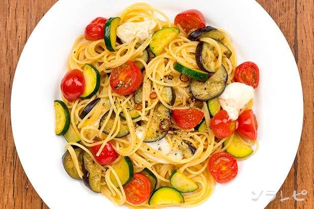 夏野菜とモッツァレラチーズのペペロンチーノ_main2