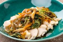 たっぷり野菜と茹で鶏のあんかけ