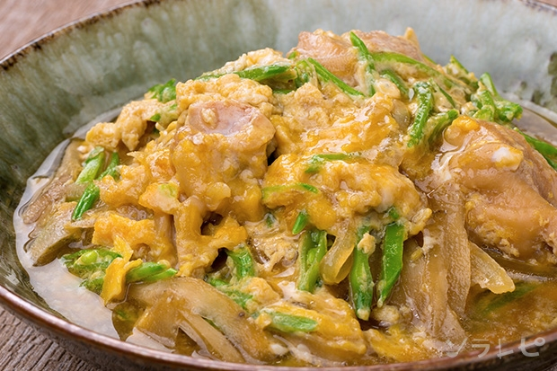 鶏肉と絹さやの柳川風_main1