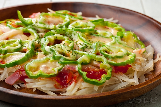 ジャガイモとベーコンのピザ風